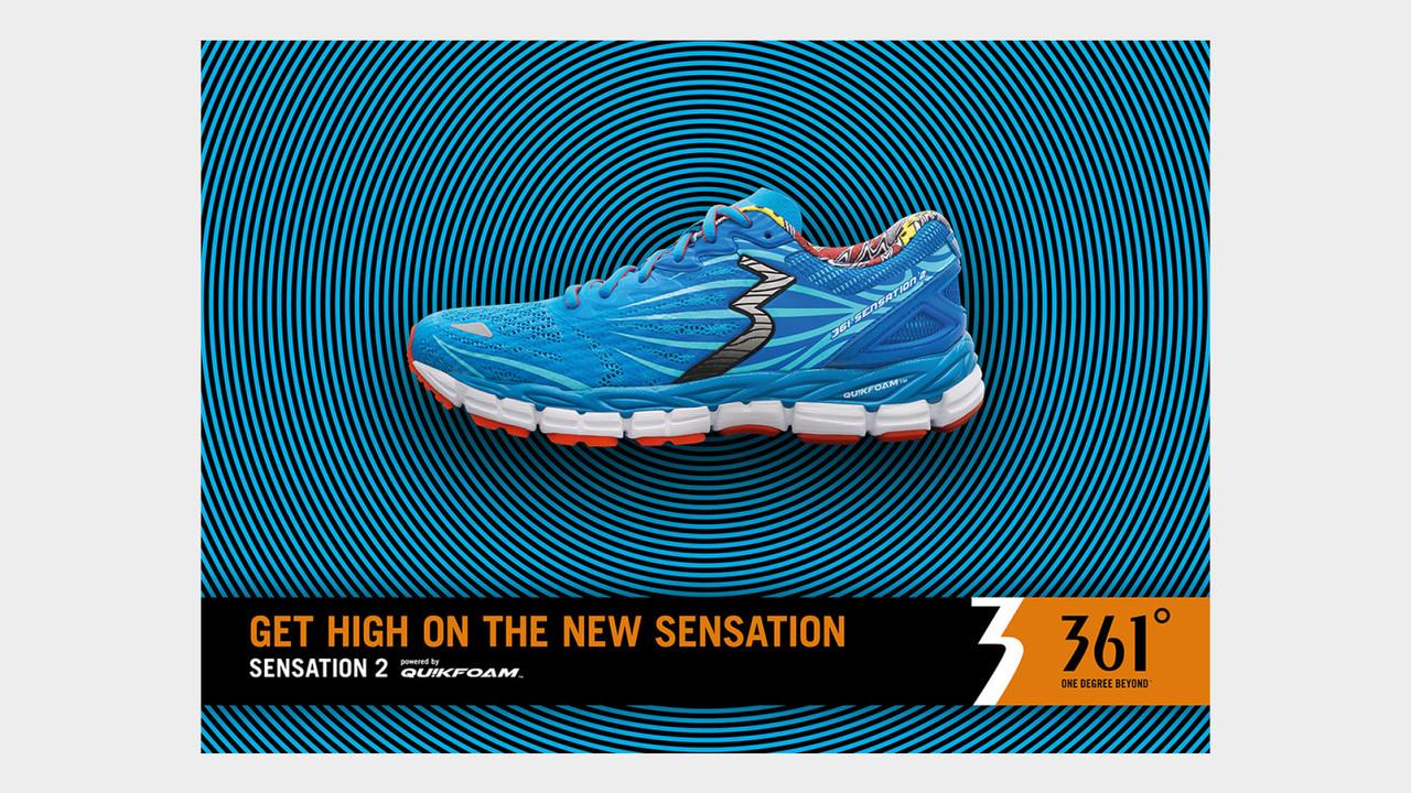 361° Sensation 2 blauer Laufschuh auf blau-schwarzen Kreisen