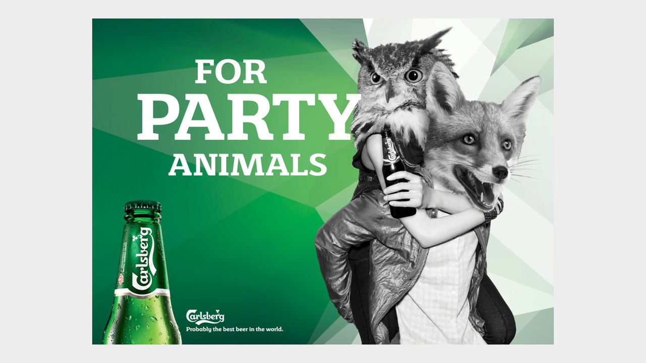 Carlsberg OOH Anzeige For party animals Eule und Fuchs
