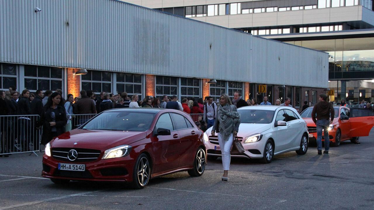 Mercedes Benz Niederlassung Hamburg Event Jan Delay Disko No1 Secret Dance drei Mercedes kommen an