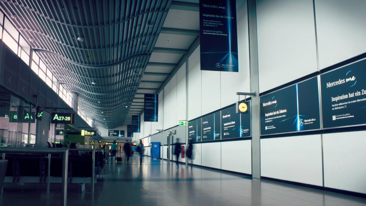 Mercedes me POS Anzeige Flughafen Gate