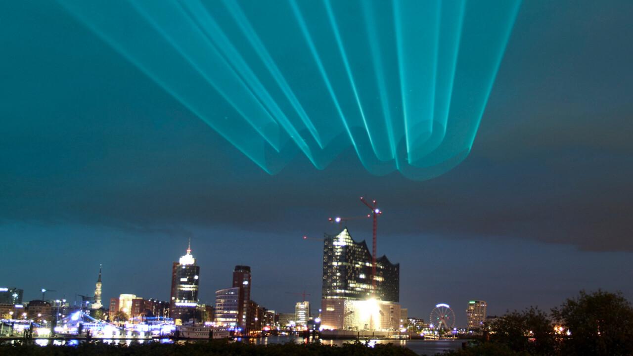 Mercedes me Laserprojektion Elbphilharmonie Hamburg