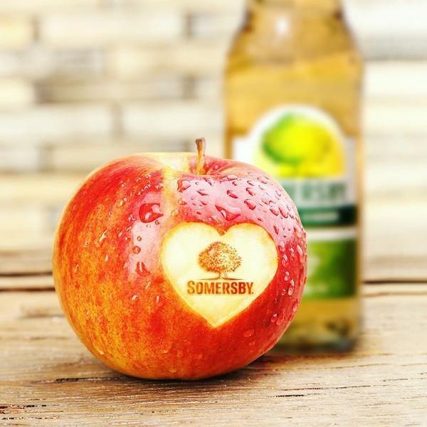 Somersby Social Posting Apfel mit Herz und Somersby Logo